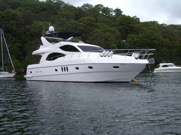 MAJESTY YACHTS 61